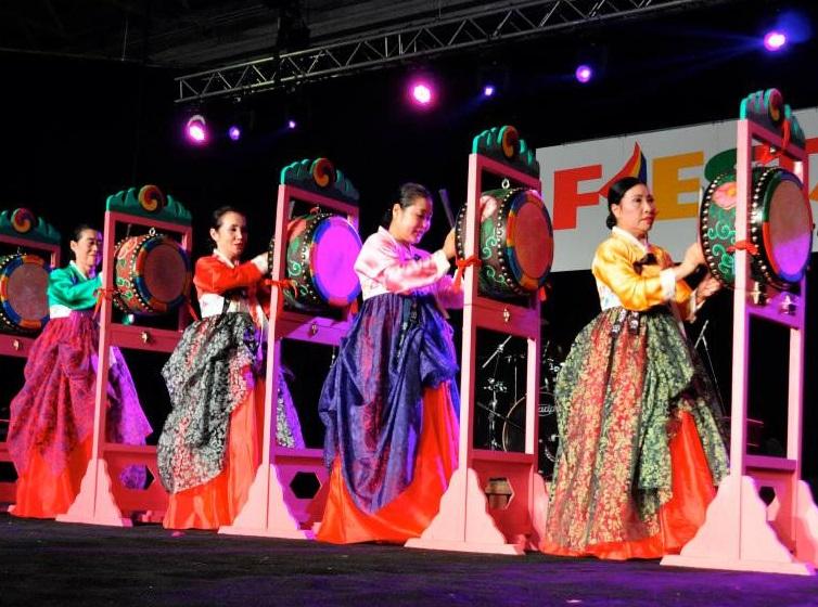 korean-dancers-jpg