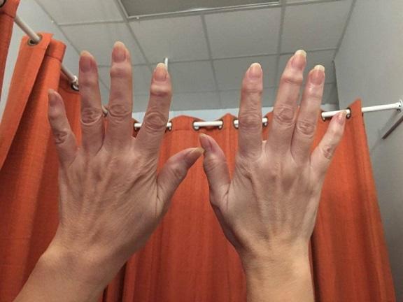 ggglossy hands