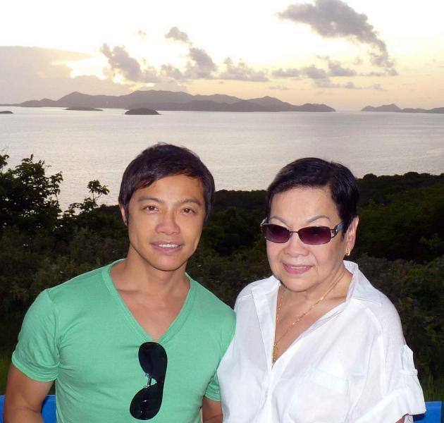 roberto-and-mom