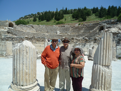 2-family-at-roman-stadium-png