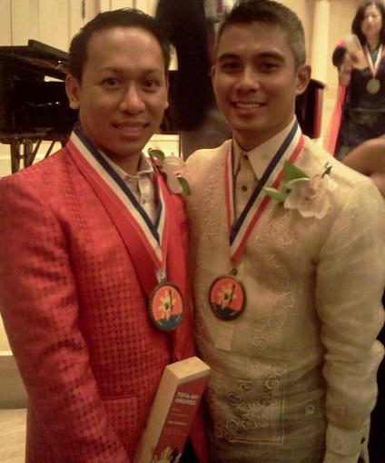 Awardees Jhett Tolentino (left) and Michael Vea