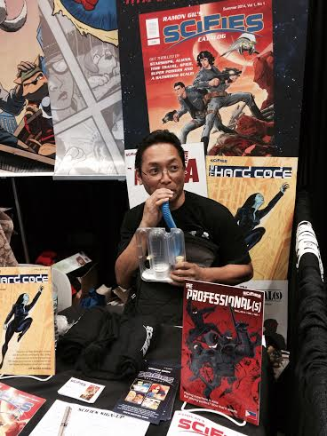 Ramon at the New York Comic Con with his Spirometer. Photo by Glenda Villajuan
