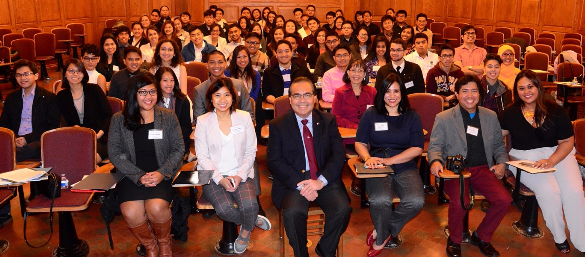 Consul General Mario de Leon Jr. with  FilAm students from the New England area. Photos by Dondee Santos