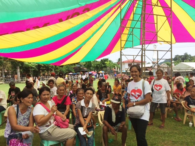The medical mission: More than 800 people came.
