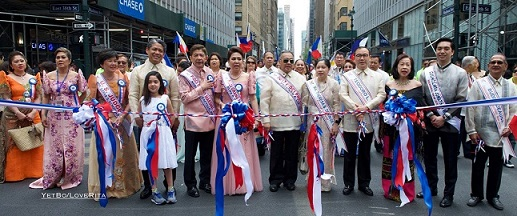 Consul General Tess Dizon De Vega (5th from left) with Philippine government and local officials, parade organizers, and community leaders   frontline the parade.