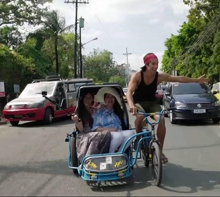 The FilAm tech millionaire-cum-travel blogger goes pedicabbing, among other adventures.
