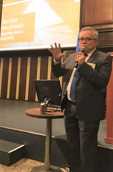 Trade and Industry Secretary Ramon Lopez at a  town hall with the Filipino American community. Photos: Philippine Consulate/New York
