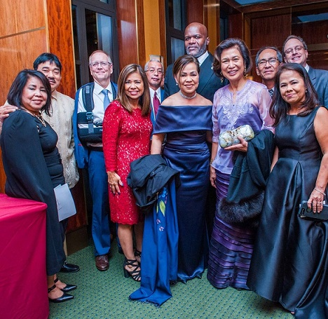 Guest speaker Loida Nicolas Lewis (second from right) met the 'big family' of Heritage Award winner Cris Pasia Comerford. The White House executive chef has 10 other siblings, many of them came to NYC to support her.