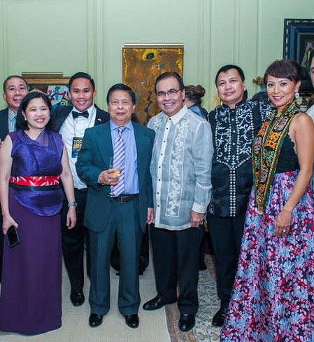 Consul General Tess Dizon-De Vega (left) and Ambassador Mario de Leon (in white barong) get to relax with awardee CBS journalist Hazel Sanchez and TOFA board member Vicente Gesmundo and guests at the after-party.