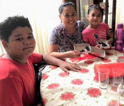 The Hubahib family made their own chocolate candies. The FilAm Photo