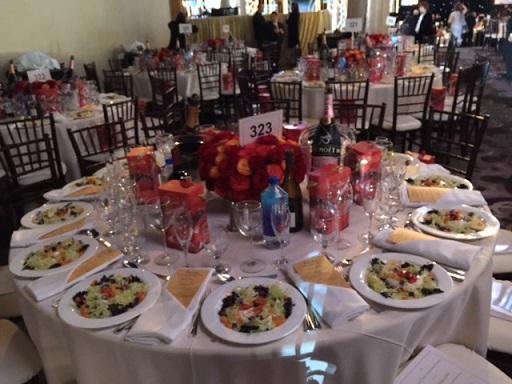 The elegant Golden Globes table