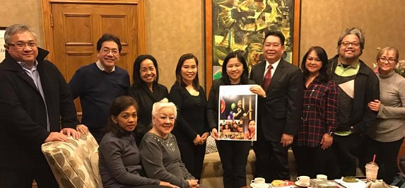 With members of the Fil-Am Press Club of New York for a final merienda.