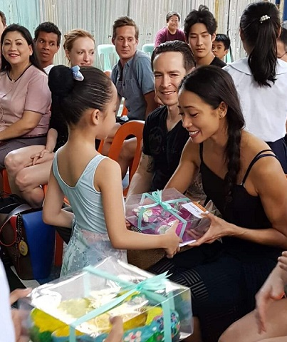 Receiving gifts of papier-mâché pointe shoes from CENTEX students. Photo: ABT