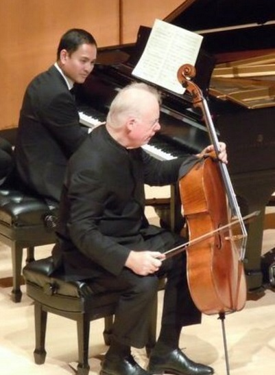Playing with friend and classical cellist Lynn Harrell, the former Music Director of the Los Angeles Philharmonic Institute.